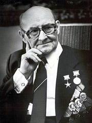 Nikolai Fedorowitsch Makarov (undatierte, aufgrund der Orden nach 1974 gemachte Aufnahme)